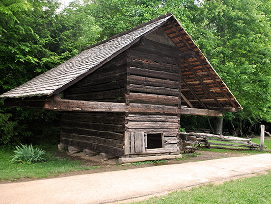 Historic Cades Cove Cable barn