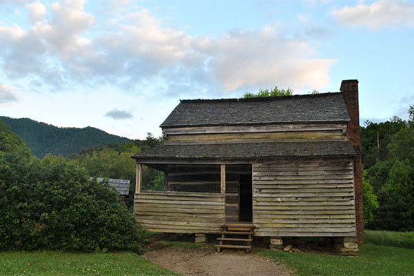 Historic Cades Cove Cabin